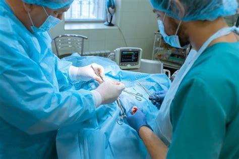 groupe medcins et chirugiens